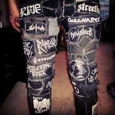PATCHES ON JEANS - ACTITUDE PUNK