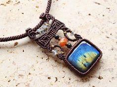 Supekutororaito natural stone necklace