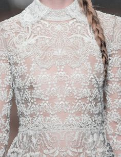 Valentino at Paris Fashion Week Fall 2013 - Details Runway Photos Winter Bride, Fall Winter, White Embroidery, Vintage Beauty, Fashion Details, Beautiful Outfits, Beautiful Clothes, Fancy Dress, Designer Dresses