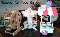 Candy Bar , carrusel, rueda chicago, kiosko Carousel Party, Circus Party, Candy Table, Candy Buffet, Sofia The First Birthday Party, Birthday Parties, Sweet Carts, Cake And Cupcake Stand, Candy Cart