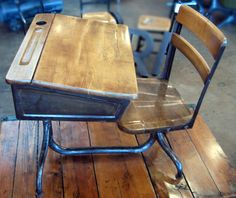 I had a desk like this