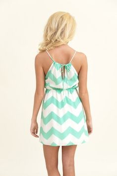 Stunning Side Dress-Mint
