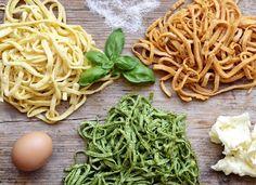 Výborné domácí vaječné těstoviny připravené zcela bez mouky, které můžete mít na talíři doslova během několika málo minut.