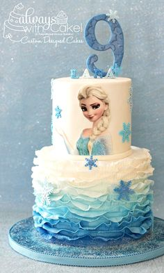 it's really hard to do something original for the Frozen theme. Fondant ruffles and sparkly snowflakes, made this cake simple and effective. :-) # frozen birthday cake Frozen Cake Ideas - In The Playroom Bolo Frozen, Tarta Frozen Disney, Torte Frozen, Elsa Torte, Frozen Theme Cake, Disney Frozen Party, Disney Cakes, Frozen Birthday Party, Birthday Parties