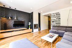 black brick wall / Interior Metamorphosis by Disenio Interior Design Images, White Interior Design, Interior Styling, Interior And Exterior, Black Brick Wall, Black And White Interior, Wall Cladding, Architect Design, Living Room Interior