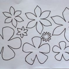 fiori di feltro 10 facili tutorial senza cucire - manifantasia Flower Crafts, Free Printables, Daisy, Hobbies, Arts And Crafts, Drawings, Flowers, Pattern, Scrappy Quilts