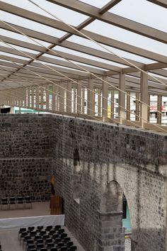 Imagen 2 de 24 de la galería de Cubierta de los Muros de la Antigua Iglesia de Baños / BROWNMENESES. Fotografía de Sebastián Crespo
