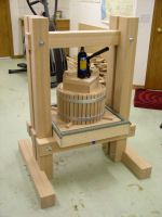 Dempsey Woodworking - How to make an Apple Cider Press. Woodworking Shop, Woodworking Plans, Woodworking Projects, Apple Cider Press, Wine Press, Cider Making, Wood Tools, Home Projects, Wood Crafts