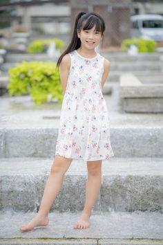 Kids Summer Dresses, Kawaii Girl, Bangs, Girl Fashion, Asian, Pure Products, Twitter, Lady, Pretty