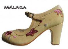 ampliar Zapatos de flamenco Flamenco Shoes, Flamenco Dresses, Dance Shoes, Spanish Culture, Shoe Closet, True Beauty, Character Shoes, Peep Toe, Coups