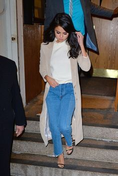 239055a6089 Selana Gomez hits the town in a basic jeans and white t-shirt look