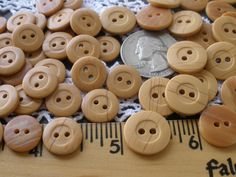 """11 Yellow 4 Hole Vintage Plastic Buttons Size 1//2/"""""""