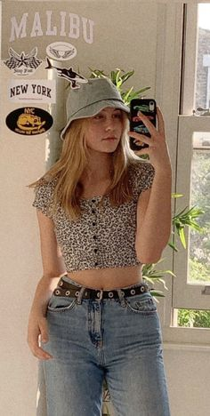 - Grunge Fashion Looks That Feel Very at the moment Casual Dress Outfits, Teen Fashion Outfits, Cute Summer Outfits, Retro Outfits, Outfits For Teens, Trendy Outfits, Vintage Outfits, Cool Outfits, 90s Fashion Grunge