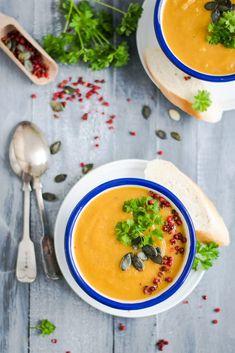 Crema suave de zanahorias para 4 personas, rápida de hacer y muy nutritiva. La crema de zanahorias y jengibre es un gran tonificador de bazo.