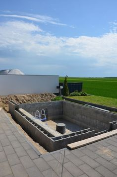 Build a pool for your own garden with the help of yourself - Garten Natural Swimming Pools, Swimming Pools Backyard, Swimming Pool Designs, Piscine Diy, Mini Pool, Modern Pools, Building A Pool, Backyard Garden Design, Outdoor Gardens