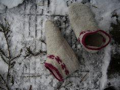 Nalbinding socks by AnnaKika
