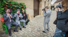 Mariage Afrikasia   photobooth tropical réalisé par La Vie en Roses Wedding. Une vraie réussite, souvenirs assurés !   Crédit photo : www.TheGreatday.photo