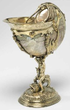 "Nautilus cup from exhibition ""Treasured Possessions from the Renaissance to the Enlightenment."" The Fitzwilliam Museum, UK. Shell Collection, Museum Collection, Shell Decorations, Shell Ornaments, Nautilus Shell, Found Object Art, Shell Art, Ammonite, Sculpture"