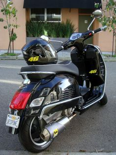 . Motor Scooters, Vespa Scooters, Vespa 300, Pocket Bike, Container Houses, 50cc, Cars And Motorcycles, Motorbikes, Automobile