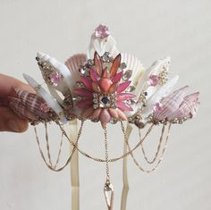 Cute little pink mermaid crown, perfect for festivals, parties and pool parties! Each piece is a unique piece of art and one of a kind. Please note that I will be away until 15 Aug but will post all items on return. Thanks