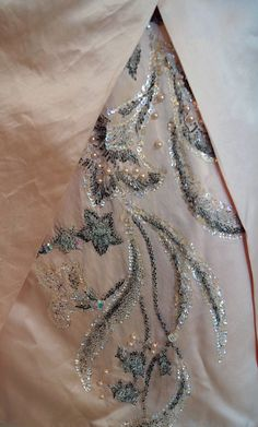 Ceil Chapman - Robe de Cocktail - Satin de Soie Rose Poudré, Perles et Sequins - Années 50
