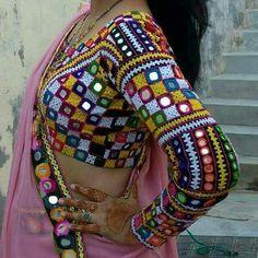 Choli Blouse Design, Saree Blouse Neck Designs, Hand Work Blouse Design, Choli Designs, Fancy Blouse Designs, Designs For Dresses, Kurti Embroidery Design, Kurti Designs Party Wear, Blouses