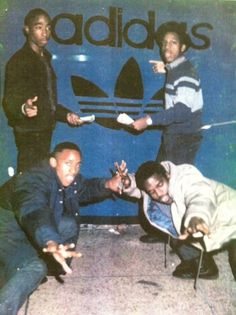 Old School Adidas: See anyone familiar? The late great Tupac and it looks like that could be Mike Bivins standing next to him. Love And Hip, Love N Hip Hop, Hip Hop And R&b, Jamel Shabazz, New School Hip Hop, Hiphop, Tupac Pictures, Ropa Hip Hop, Photocollage