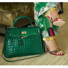 Hermès -- Kelly Handbag