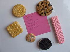 Cookie Magnets (cute, I'm wondering if it would make it harder to stick to the diet tho..)