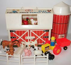 Fisher Price Little People Barn. We didn't have any of the Fisher Price Little People sets, but several neighbors did, and I always enjoyed playing with them. Jouets Fisher Price, Fisher Price Toys, My Childhood Memories, Childhood Toys, Retro Toys, Vintage Toys, Vintage Stuff, Fisher Price Vintage, 80s Kids