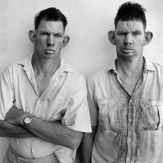 Dresie & Casie, South African twins, 1993. Photographed by Roger Ballen.