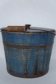 Large antique blue pail with cover antique Winchendon