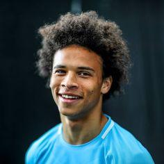 Manchester City, Haircuts For Men, Haircut Men, Zen, Blue City, Blue Moon, Football Players, First Love, Boys
