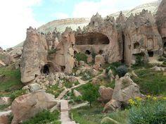 10 luoghi veri che sembrano da favola  Urgup, Turchia