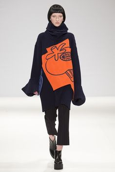 See all the Collection photos from Xiao Li Autumn/Winter 2015 Ready-To-Wear now on British Vogue Xiao Li, Fall Winter 2015, Autumn, Fashion Details, Fashion Design, Hiphop, Knitwear, Ready To Wear, Dress Up