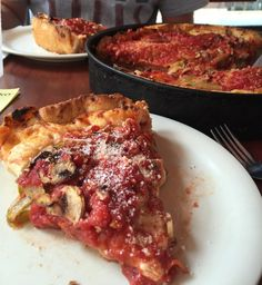 The 50 Best Foods to Eat in Chicago: Deep Dish Pizza at Lou Malnati's Visit Chicago, Chicago Travel, Chicago Marathon, Chicago Chicago, Usa Travel, Solo Travel, Travel Tips, Food Places, Best Places To Eat