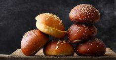 Entdecke die besten Rezepte für Burger-Buns und praktische Tipps und Tricks für die richtige Zubereitung – Der perfekte Burger braucht nicht nur d ...