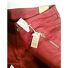 ⚡FLASH SALE⚡American Eagle Moto Jeans NWT Oxblood colored skinny jeans from AE...moto style, ankle length. Everyone needs a pair of red pants! American Eagle Outfitters Jeans