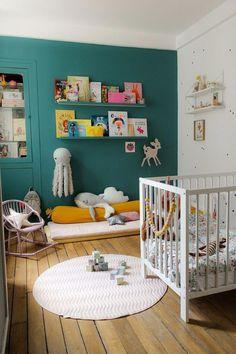 Chambre d'enfant : la déco de la chambre de Louise. Children's bookshelves #childrenroomideas