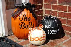 Painted pumpkins- perfect for your first Lipscomb Halloween doorstep! Halloween Boo, Holidays Halloween, Halloween Pumpkins, Halloween Crafts, Happy Halloween, Halloween Decorations, Fall Decorations, Halloween Clothes, Halloween 2019