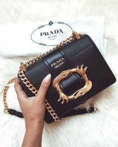 b68290ffe002 instagram.com/... pinterest.com/... depop shop @jessluz92 fall #handbags  trends