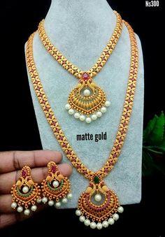 Jewelry Design Earrings, Gold Earrings Designs, Gold Jewelry, Gold Necklace, Bridal Jewelry Sets, Indian Jewelry Sets, Gold Bangles Design, Jewels, Stone