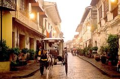 Vigan, Ilocos Sur is nominated as one of the 7 wonder cities of the world. The city has preserved its history through their old Spanish houses in Calle Crisologo, the most famous spot in Vigan, Philippines. Philippines Travel, Vigan Philippines, Manila Philippines, Filipino Architecture, Philippine Architecture, Spanish Architecture, Colonial Architecture, Historical Architecture, Places To Travel