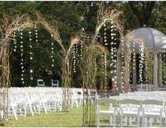 Decoração de cerimônia de casamento ao ar livre