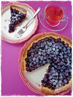 such a splendidly inviting looking blueberry crostata