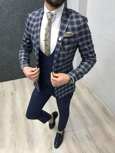Ade Slim Fit Plaid Suit – Navy Collection: Spring – Summer 19 Product: Slim-Fit Plaid Suit Color Code: Navy Blue Size: 46-48-50-52-54-56 Suit Material: 80% viscose, 17% poly, 3% lyc...