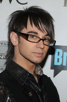 Christian Siriano, winner of the fourth season of Project Runway, is currently designing wedding dresses for Nordstrom! Fashion Themes, All Fashion, Vintage Fashion, Christian Siriano, Designer Wedding Dresses, Designer Gowns, Tim Gunn, Lgbt History, Amazing Race