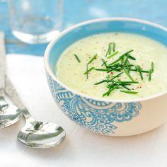 Velouté froid de courgettes au yaourt et basilic