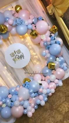 A beautiful balloon hoop made a perfect backdrop for this gender reveal! A beautiful balloon hoop made a perfect backdrop for this gender reveal! Deco Baby Shower, Baby Girl Shower Themes, Baby Shower Balloons, Birthday Balloon Decorations, Gender Reveal Party Decorations, Gender Party, Baby Gender Reveal Party, Deco Ballon, Pregnancy Gender Reveal