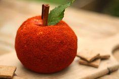 U nás na kopečku: ... sýrové jablíčko.... Nasa, Strawberry, Appetizers, Apple, Fruit, Food, Apple Fruit, Appetizer, Essen